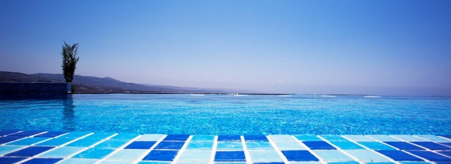 Oceania villa private Infinite swimming Pool  Villa to rent in Cyprus