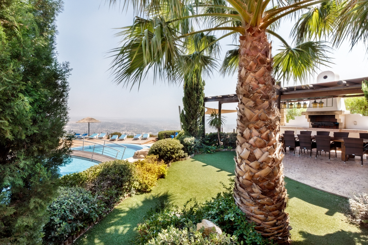 Wedding Villa in Paphos -BBQ area for Christmas 2017