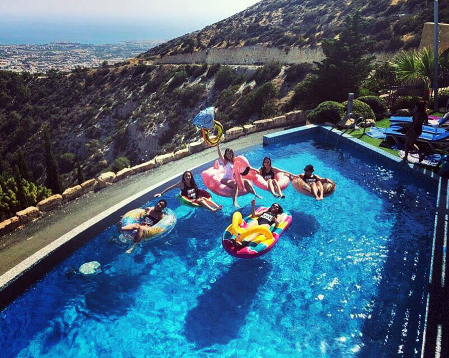 pool_party_villa