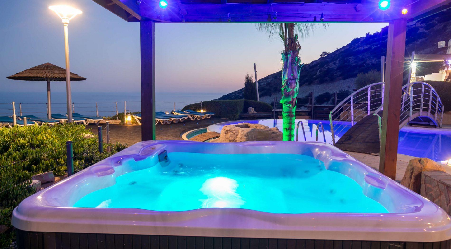 Hot Tub Jacuzzi at Panorama Villa