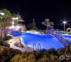 Panorama Villa Night